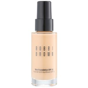 Bobbi Brown Skin Foundation hydratační make-up SPF 15 odstín 4 Natural 30 ml